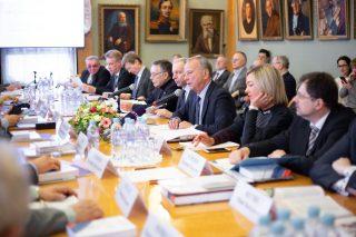 Международный семинар на тему «Климатические риски экономического роста»